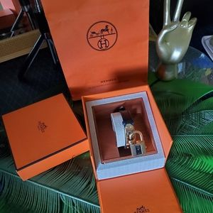 Hermes Accessories - 🥰Authentic Hermes Kelly watch🥰